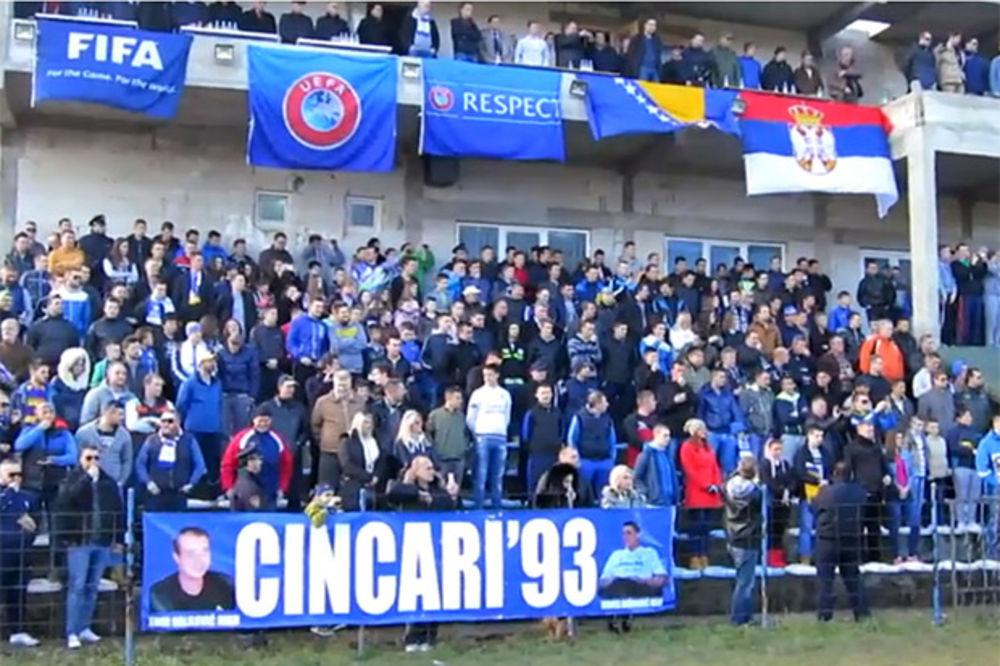 (VIDEO) GROMOGLASAN APLAUZ: Bosanski navijači aplaudirali himni Bože pravde