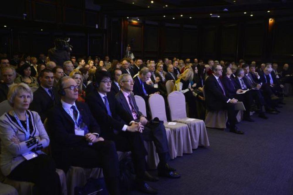 (FOTO) DRUGI DAN FORUMA NA KOPAONIKU: Srpski Davos u slikama!