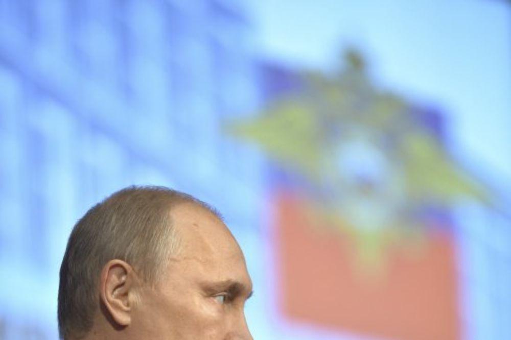 PUTIN RUSKOJ POLICIJI: Izbavite Rusiju od tragičnih ubistava i zločina s političkom pozadinom