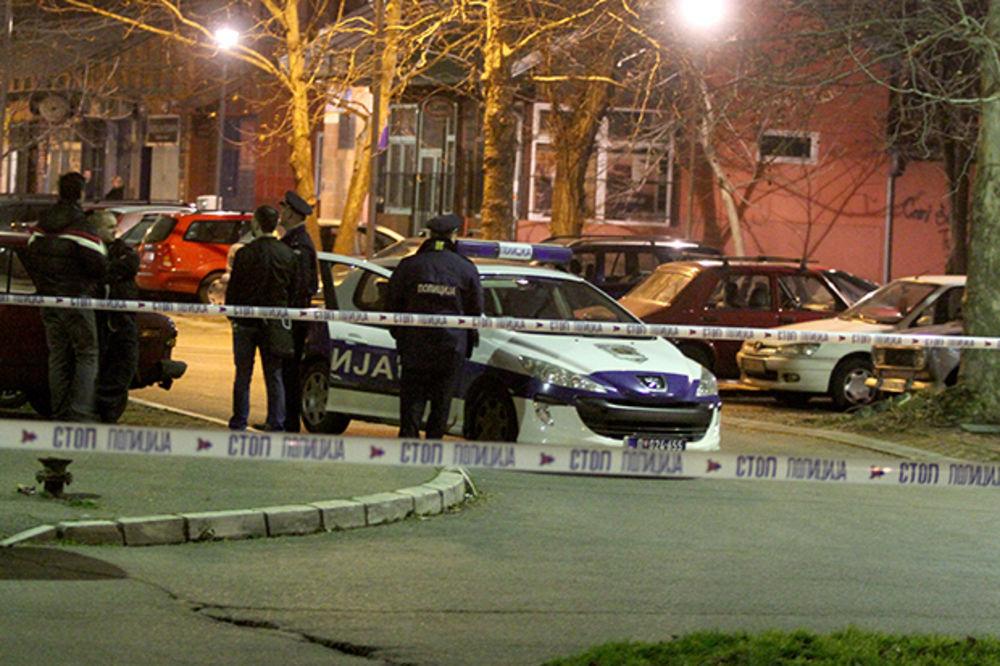 PUCNJAVA NA BEŽANIJSKOJ KOSI: Dvoje ranjeno u sukobu Surčinaca i lokalne grupe!