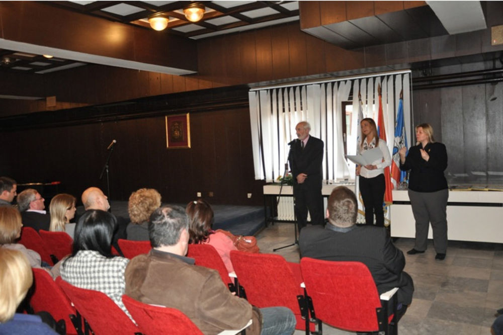 GROCKA: Završena obuka savladavanja srpskog znakovnog jezika