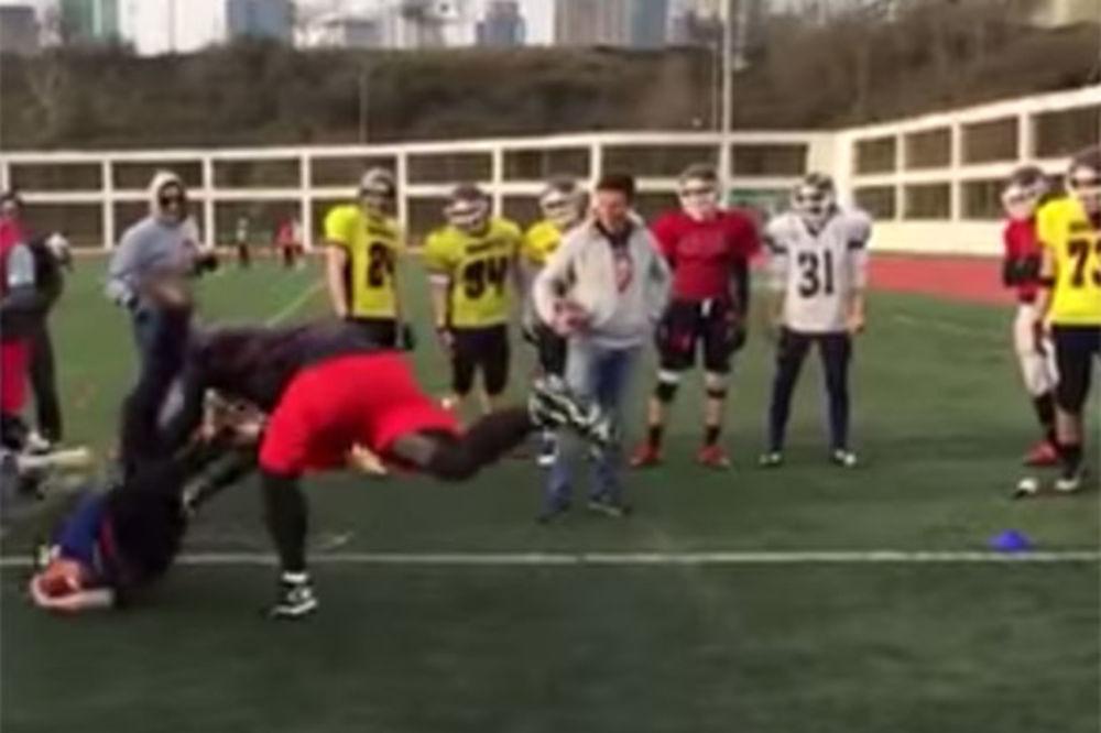 (VIDEO) ODUŠEVIO NFL ZVEZDE: Srbin odvalio novinara