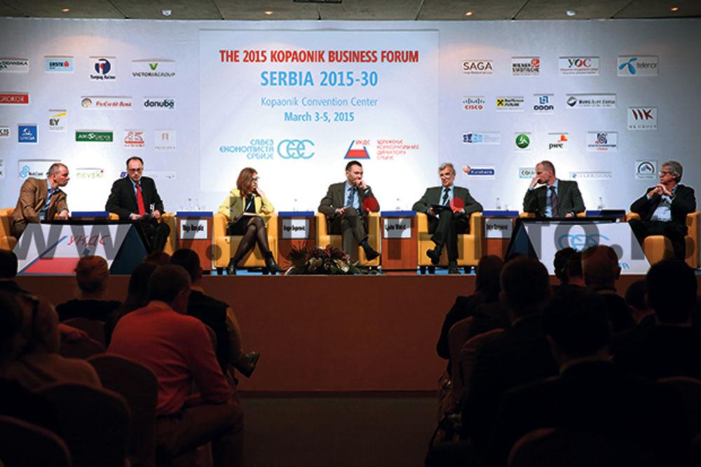 BIZNIS FORUM: Ulaganja ključna za beg od recesije