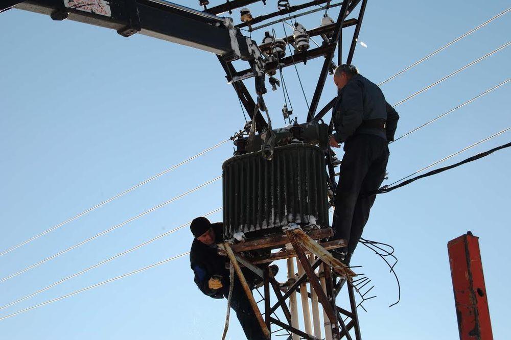 TEŠKA SITUACIJA: 30.000 ljudi bez struje u Zlatiborskom okrugu