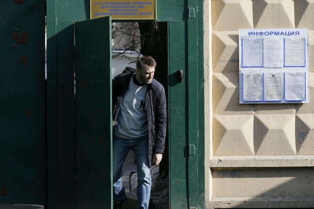 OTIŠAO KUĆI: Aleksej Navaljni pušten iz pritvora u Moskvi