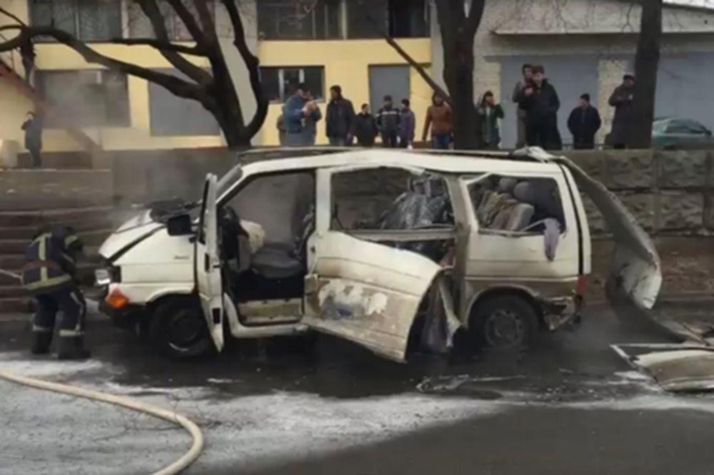 (VIDEO) EKSPLOZIJA U HARKOVU: Bomba raznela auto komandanta specijalne milicije