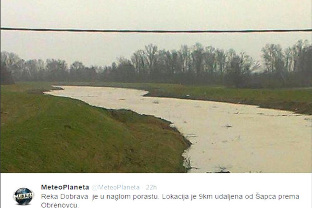 IZLILA SE DUMAČA: Evakuisano 30 osoba u Gornjoj Vranjskoj kod Šapca
