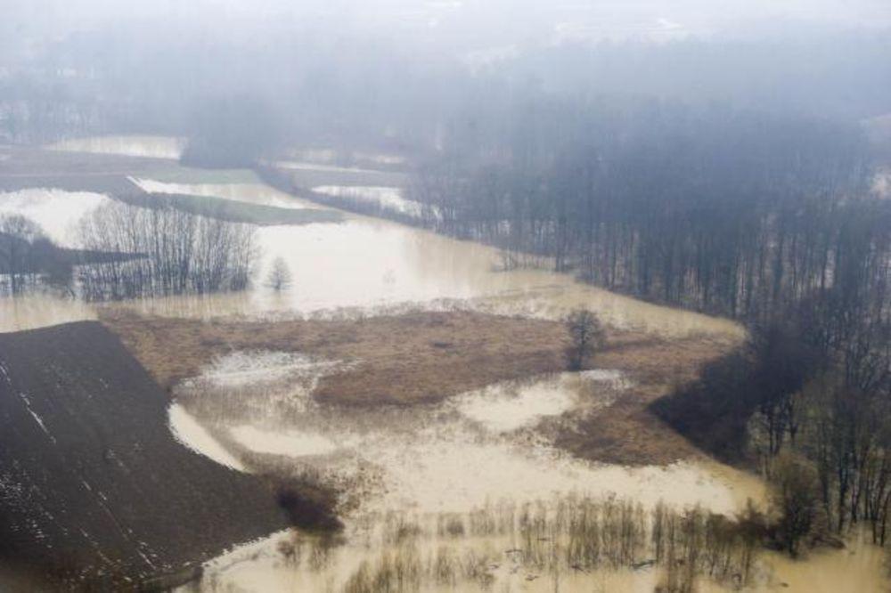 VANREDNA ODBRANA OD POPLAVA: Južna Morava kod Kruševca preti izlivanjem