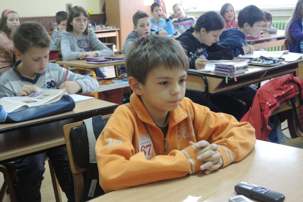 MALI VALJEVAC NAGRAĐEN ZA POŠTENJE: Strahinja (10) dobio stipendiju, sportsku opremu i šporet!