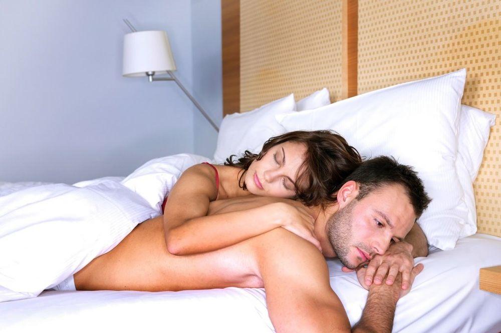 Spavajte goli! Bićete zdraviji, a seks će pasti mnogo češće!
