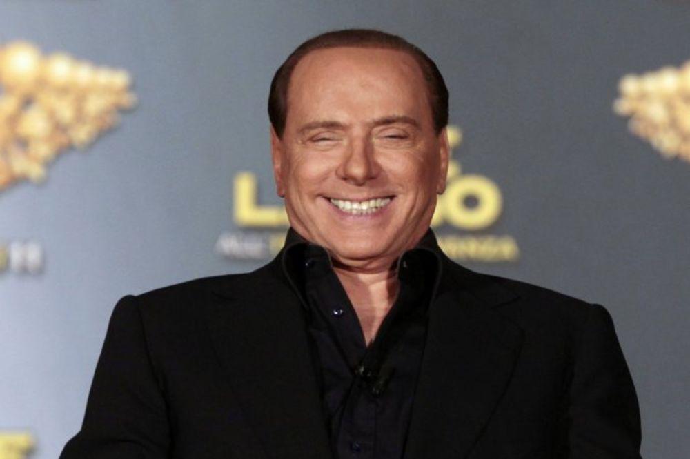 BERLUSKONI PRODAJE MILAN KINEZIMA: Italijanski mediji objavili da je prodato 80 odsto kluba!
