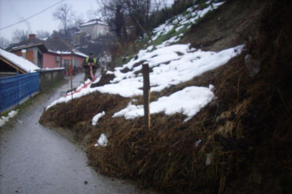 TRSTENIK: Klizište preti da uništi selo Jasikovicu