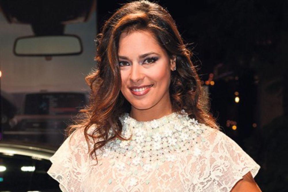 ČITAJTE U KURIRU BRAK SVE BLIŽI: Ana Ivanović isprobavala prstenje za Švajnštajgera!