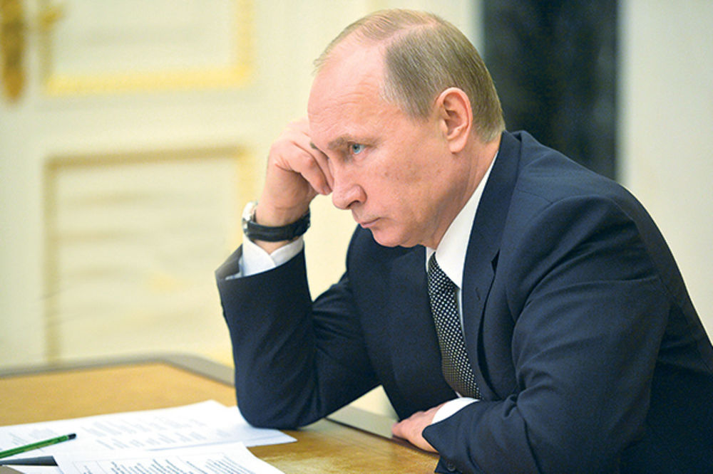 PUTIN JE CAR TVITERA: Ruskog predsednika prati milion ljudi, a on samo sebe!