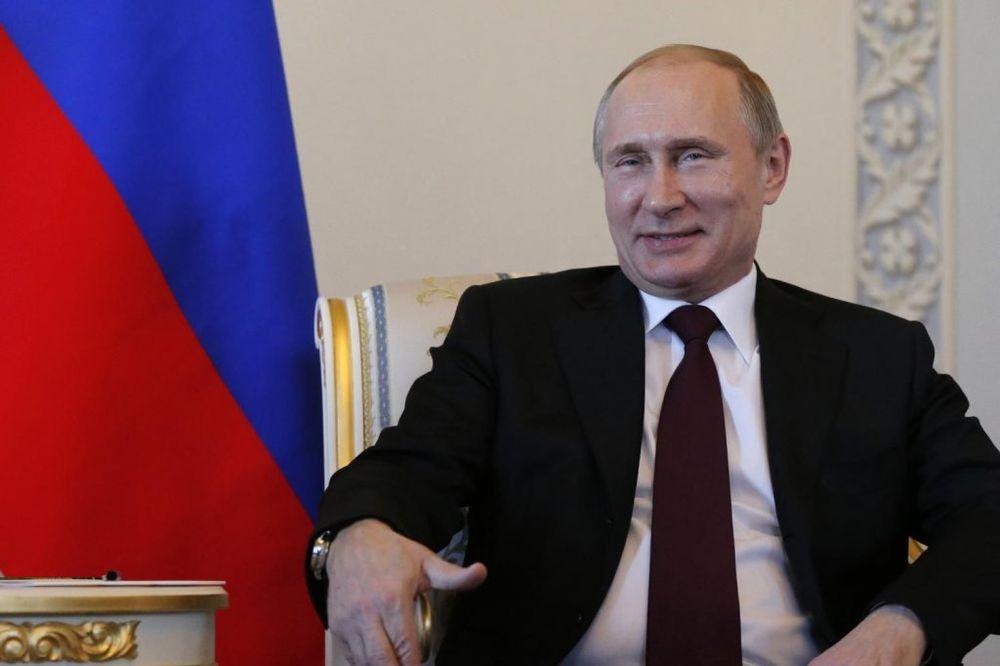 NIJE MOGAO DA SAKRIJE SLABOST: Evo šta Putinov govor tela govori o njegovom zdravstvenom stanju!