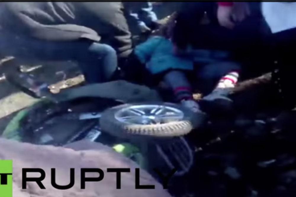 (VIDEO I FOTO) KAMENOVALI VOJNIKE Ukrajinski tenk zgazio devojčicu (8), pijani vozač hteo da pobegne