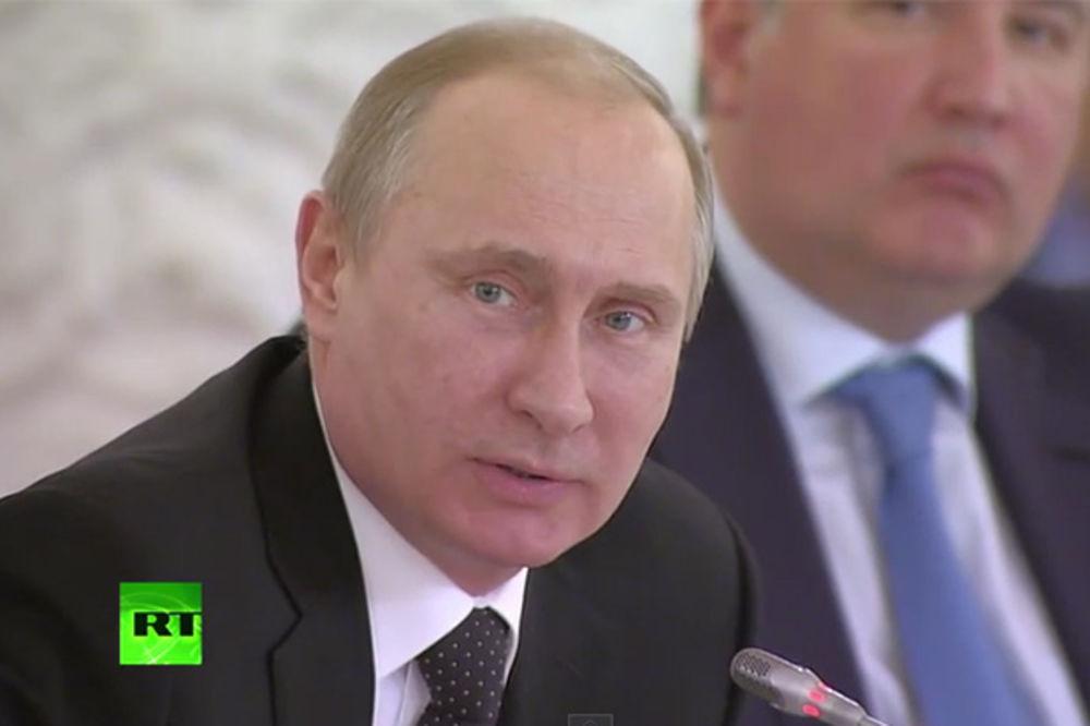 (VIDEO) PUTIN: Ne mogu da se prepričaju te uvrede i laži kojima u svetu blate Rusiju