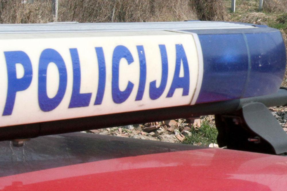 PESNICOM U GLAVU: Upao pijan u policijsku stanicu u Prijedoru i udario šefa smene