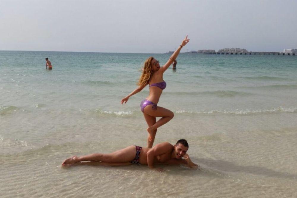 SPOJILA LEPO I KORISNO: Jelena Kostov uživa u Dubaiju!