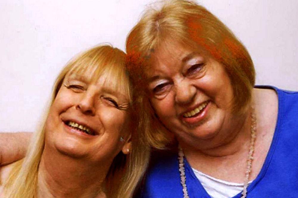 BOLESNA PROMENA POLA: Njen muž je postao žensko, a sada su kao sestre!