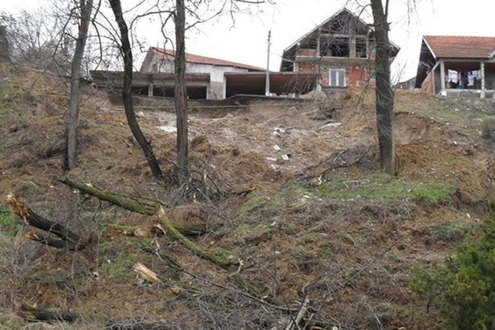 KIŠA AKTIVIRALA KLIZIŠTE: Ugroženo 12 kuća u Rekovcu