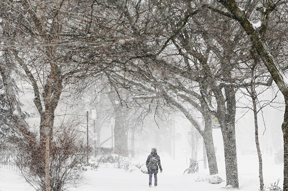 Sneg odsekao 100 porodica od sveta