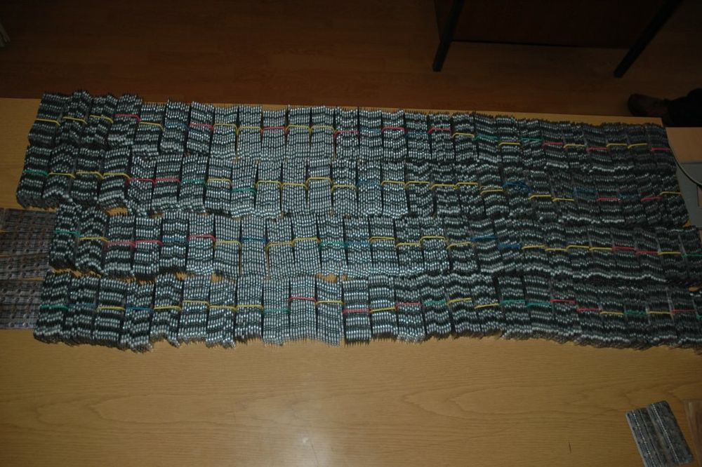 GORNJI MILANOVAC: U zamrzivaču sakrio više od 31.000 tableta ksalola