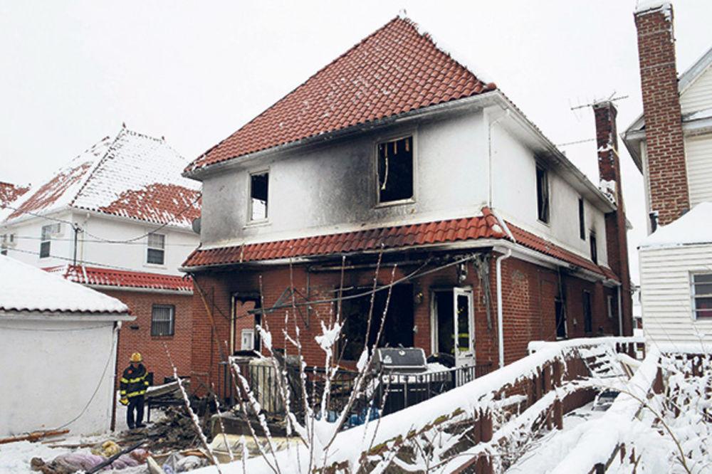 (FOTO) UŽAS U NJUJORKU: U požaru izgorele tri devojčice i četiri dečaka!