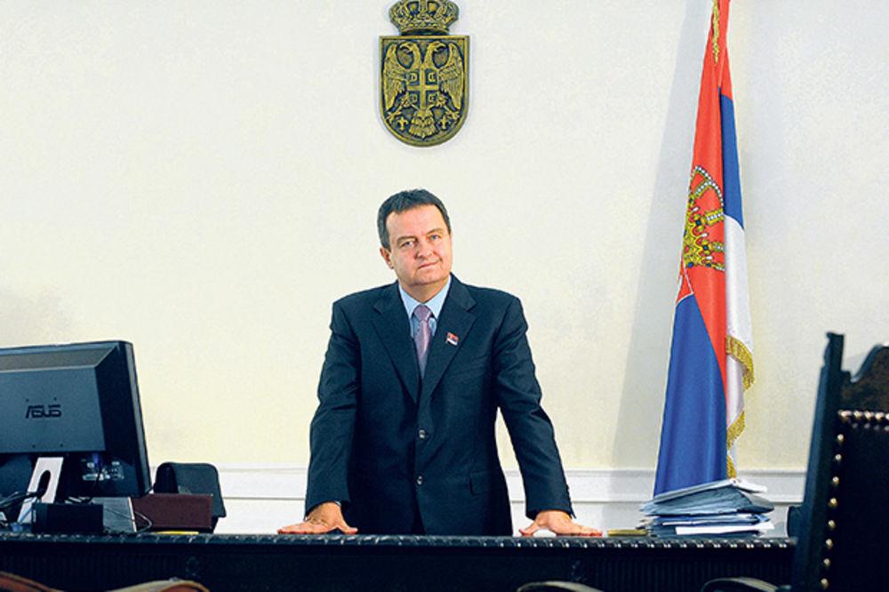 ZAJEDNO MORAMO DA GRADIMO DRUŠTVO SOCIJALNE PRAVDE: Dačić čestitao građanima Prvi maj