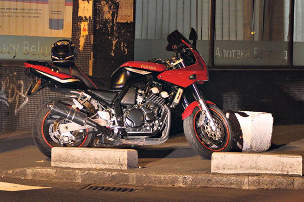 Motociklom pokosio majku sa dvoje dece