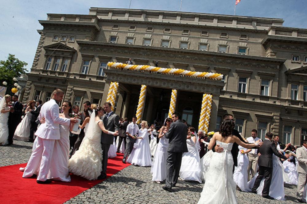 PRIJAVITE SE: 17. maja kolektivno venčanje ispred Skupštine grada