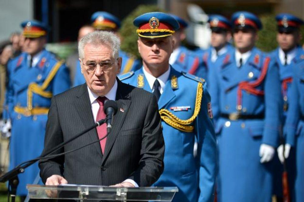 NIKOLIĆ POLOŽIO VENAC U ALEKSINCU: Braneći sebe Srbija branila međunarodno pravo