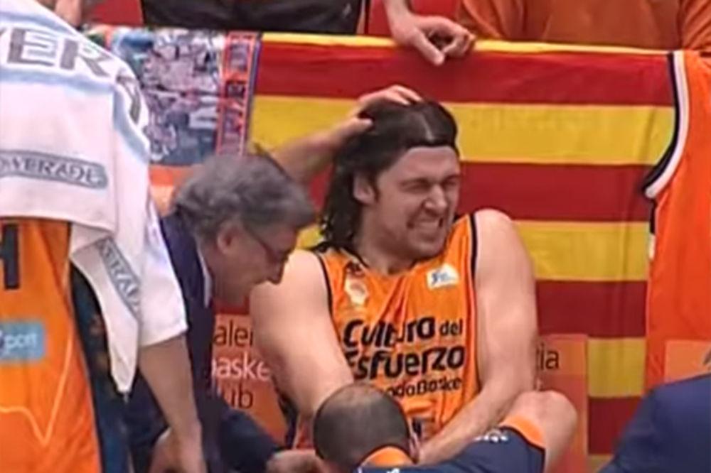 (VIDEO) VRIŠTAO OD BOLOVA: Pogledajte kako je hrvatskom košarkašu na utakmici nameštan prst