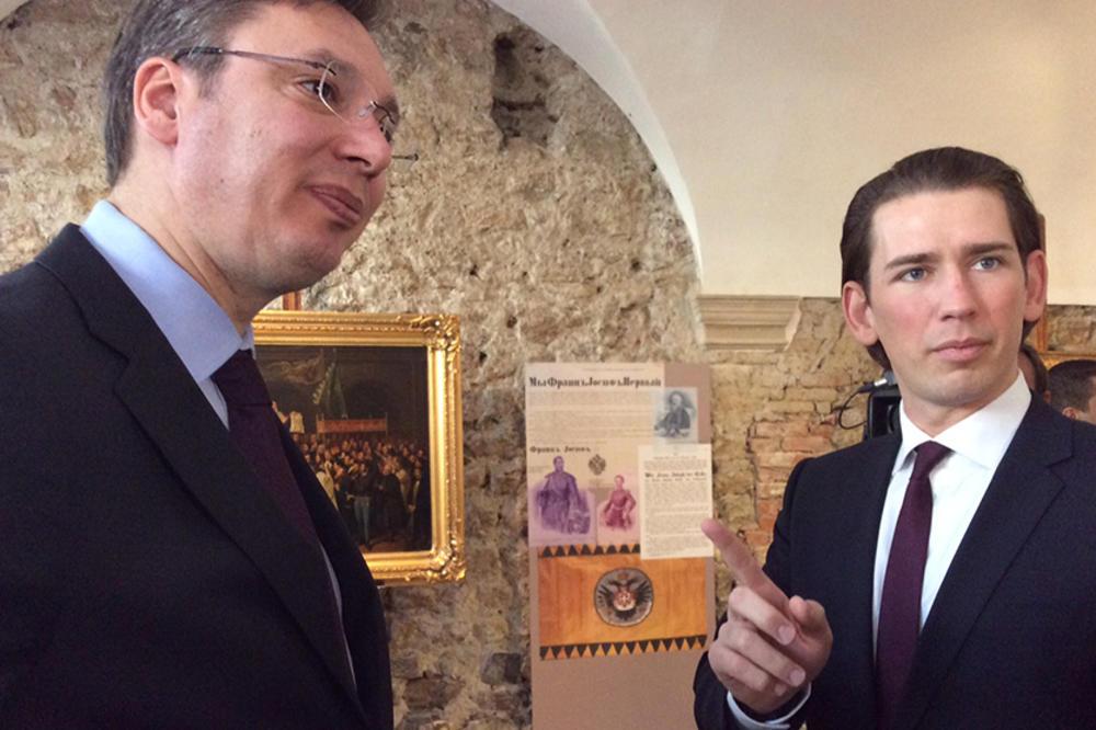 (FOTO) PREMIJER U BEČU: Vučić i Kurc zajedno na izložbi
