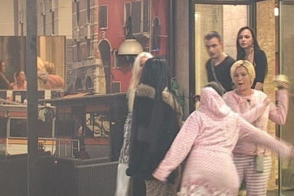 (VIDEO) OVO SU TARIFE U RIJALITIJIMA: Svaki seks 2.000 evra, svađa 1.000, a tuča 1.500...