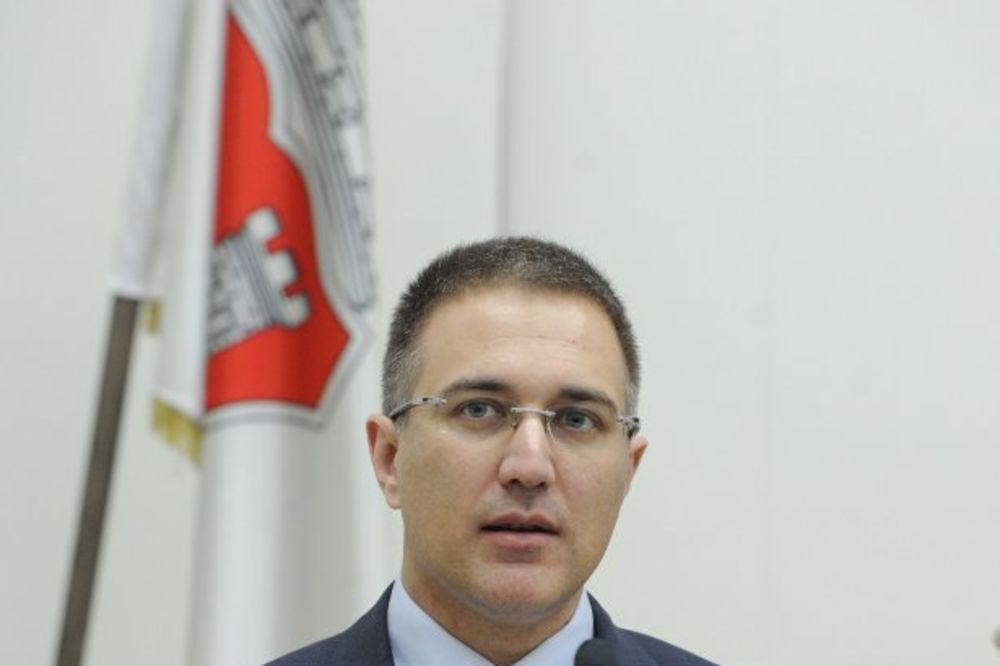 Stefanović: Policija mora biti simbol snage, odgovornosti i poštenja u državi!