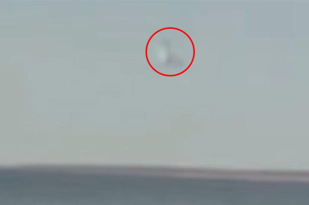 (VIDEO) NIKO NE ZNA ŠTA JE OVO: Misteriozno morsko stvorenje snimljeno na Jadranu