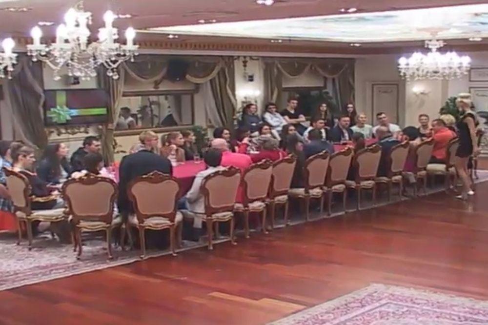 PAROVI: Nominovani za izbacivanje su Tijana, Jelena, Lepa, Ivan, Bora, Gastoz, Mimi Oro i Toma Pante
