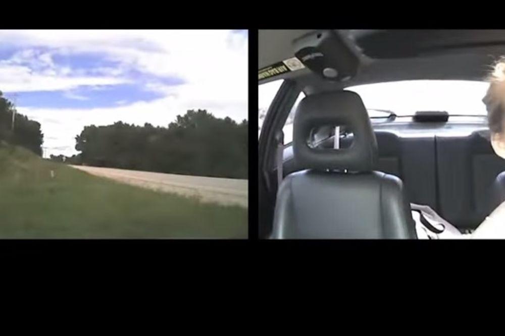 (VIDEO) ŠOKANTAN SNIMAK ZA SVE RODITELJE: Koliko su zapravo tinejdžeri dekoncentrisani dok voze!