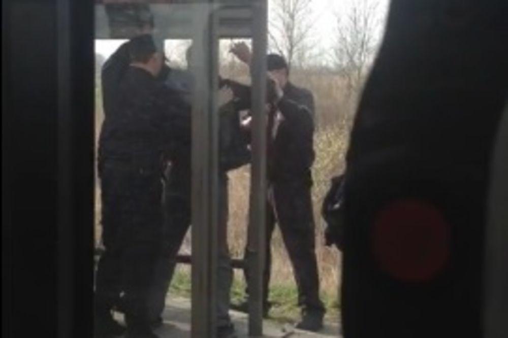 (VIDEO) OVO JE PREŠLO SVAKU MERU: Novi napad komunalaca na putnika!