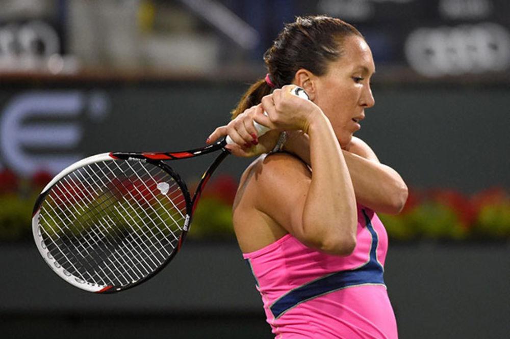 POSLE FINALA - DEBAKL: Jelena Janković ubedljivo izgubila od Viktorije Azarenke