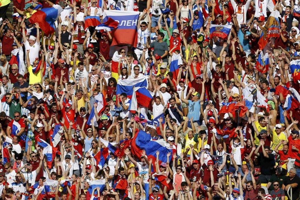RUSKI NAVIJAČI U PODGORICI: Kosovo je srce Srbije