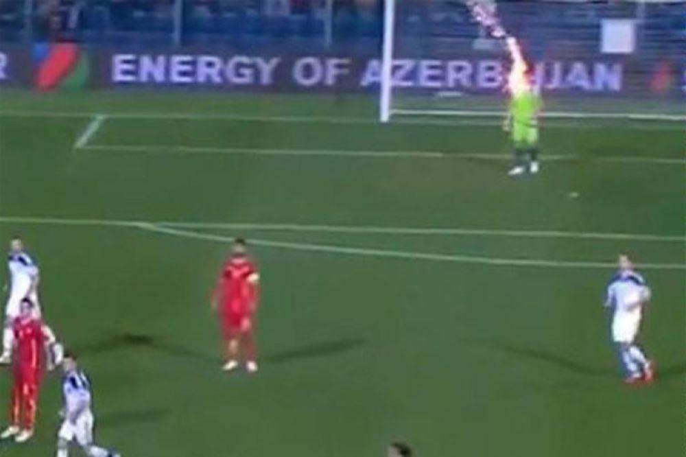(VIDEO) ODOŠE I OBRAZ I ČOJSTVO: Navijači CG aplaudirali kada je ruski golman pogođen u glavu