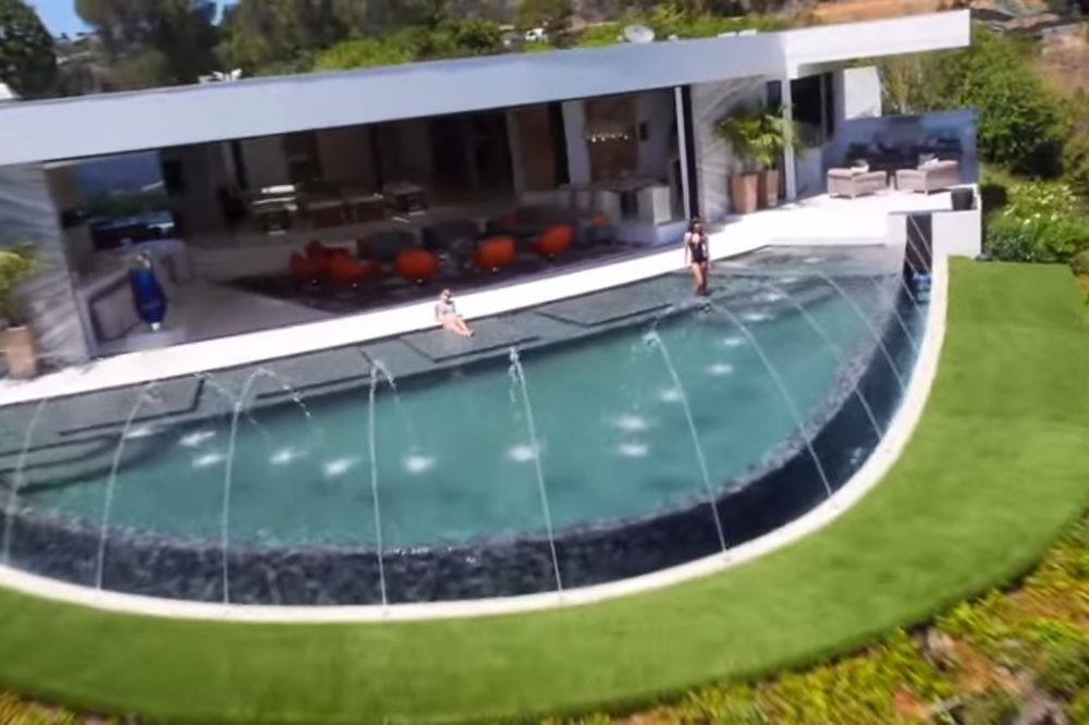(VIDEO) OVAKVU PERVERZIJU JOŠ NISTE VIDELI: Zavirite u najskuplju kuću na Beverli Hilsu