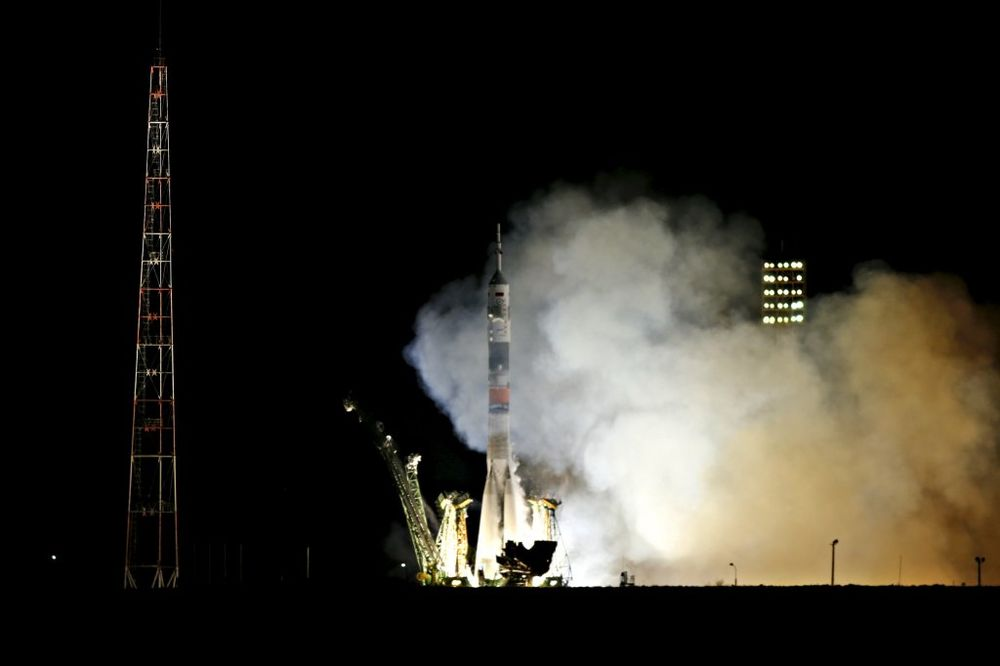 SOJUZ STIGAO NA MKS: Ruski i američki astronauti sledećih godinu dana zajedno u svemiru