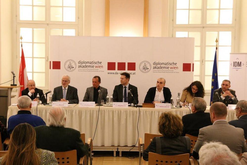 O PERSPEKTIVAMA BALKANA: Nema civilnog društva bez jake ekonomije i socijalne sigurnosti