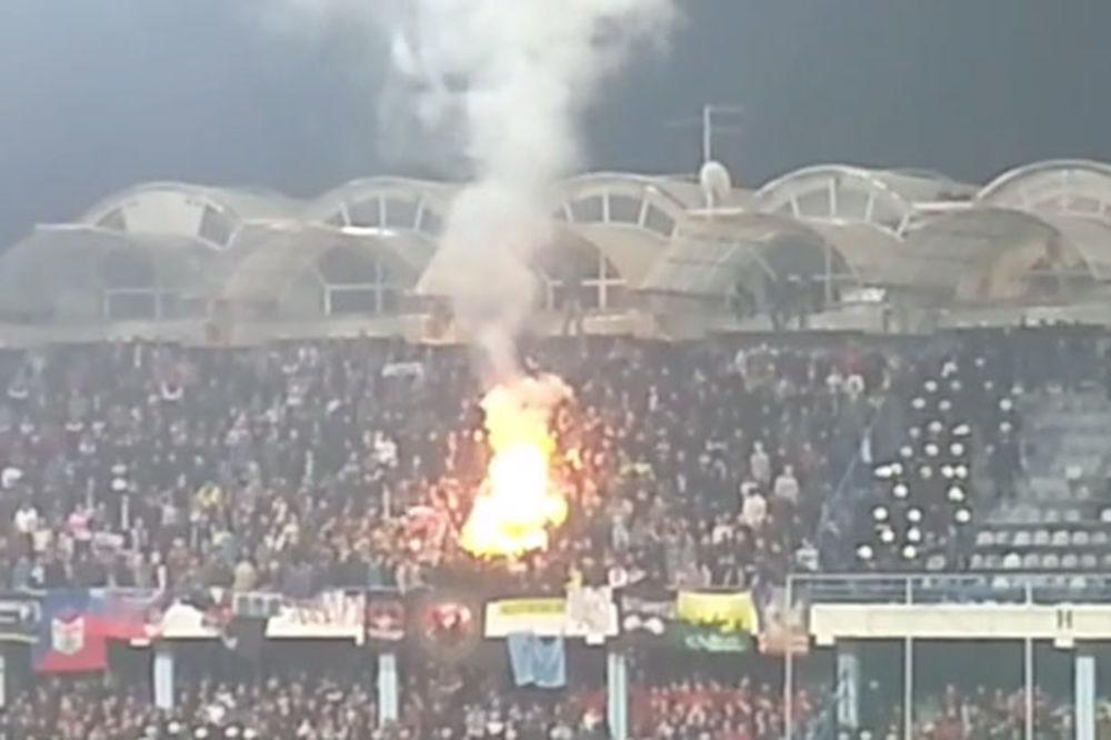 (VIDEO) Navijači Rusije spalili zastavu NATO na meču protiv CG u Podgorici!