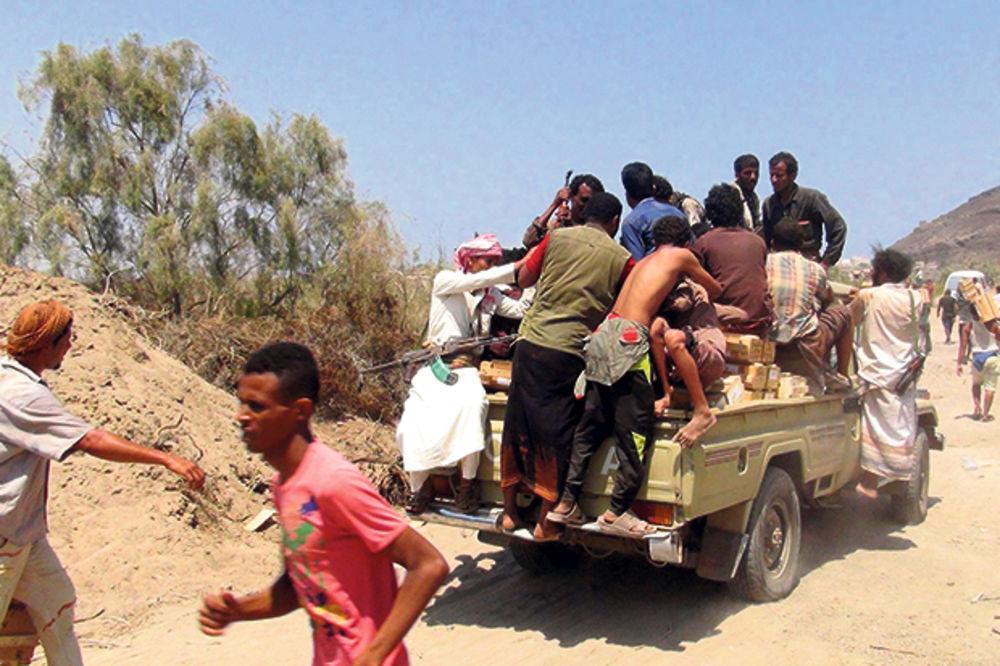 JEMEN U RATNOM HAOSU: Za dan ubijeno 39 ljudi, UN se povlači