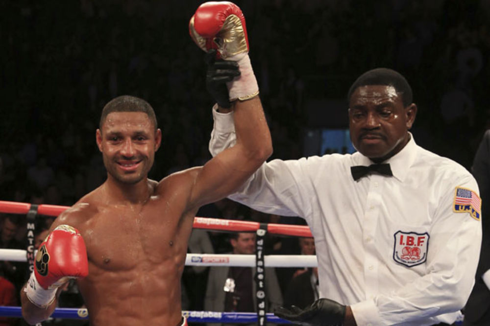 SENZACIONALNI POVRATAK BRUKA: Britanski bokser jedva preživeo napad mačetom, a onda odbranio titulu