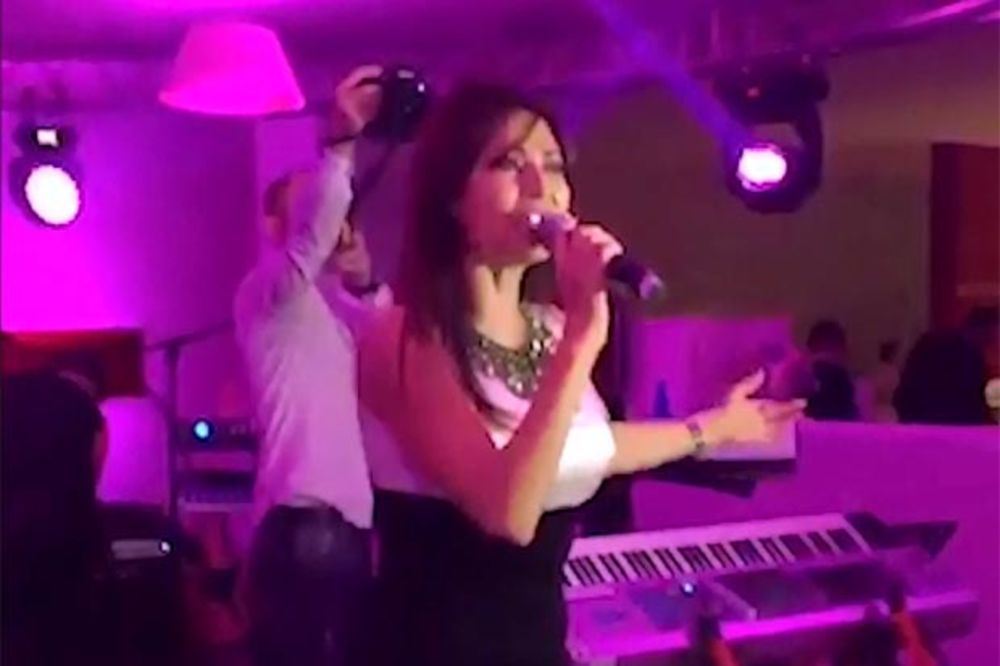 (KURIR TV) Evo kako se Ceca provela na svadbi veka u Crnoj Gori!